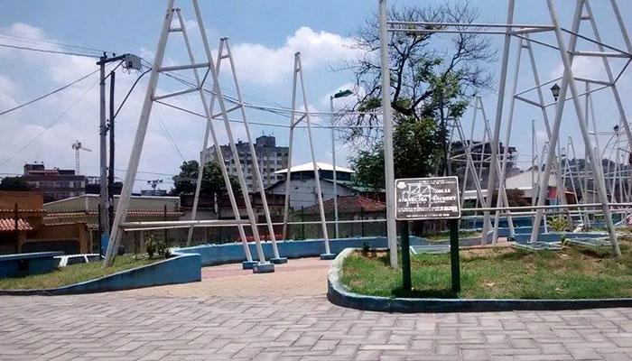 """Praça Chico Mendes, a """"praça da Bíblia"""" pelos governos anteriores. Foto: Alex Wolbert"""