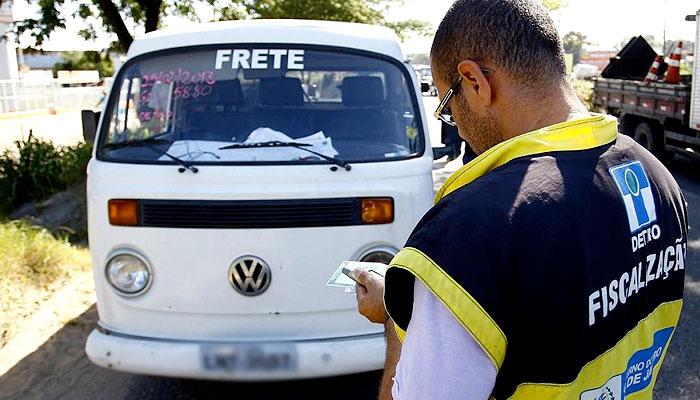 Vans e Kombis Ilegais em São Gonçalo