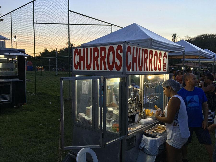 Barraca de Churros no festival gastronômico de verão da Ilha das Flores.