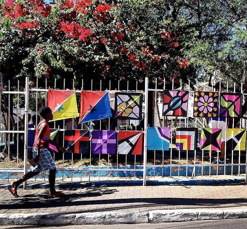 Venda de cafifas na Praça do Gradim – São Gonçalo