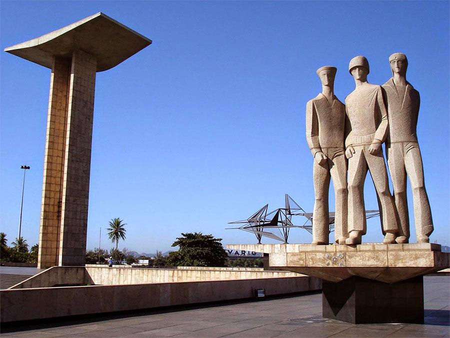 Monumento aos Mortos da Segunda Guerra Mundial, popularmente conhecido como Monumento aos Pracinhas, Aterro do Flamengo – Rio de Janeiro