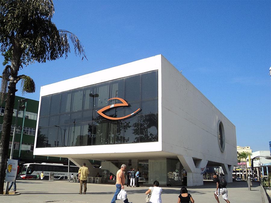 Praça do Pacificador em Duque de Caxias, a capital da Baixada Fluminense.