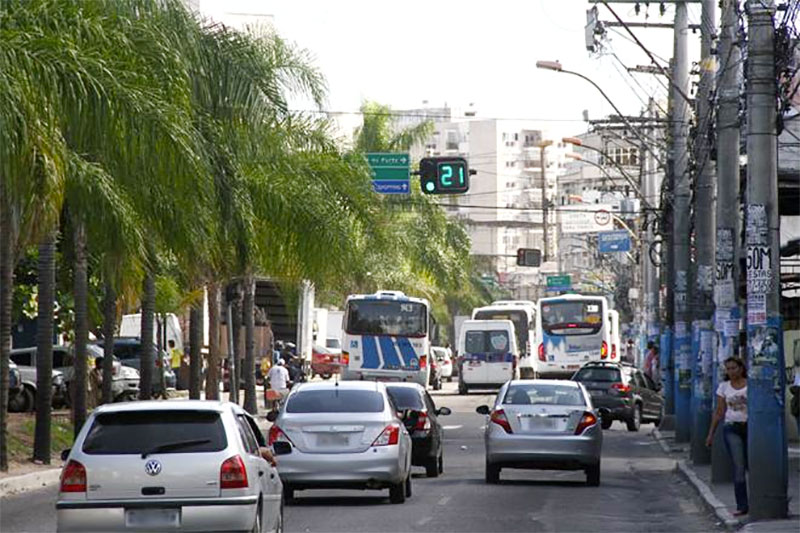 Trânsito no Centro de São Gonçalo. Foto: Marcelo Feitosa
