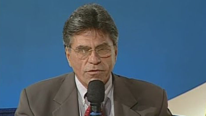 Doutor Charles foi prefeito de São Gonçalo no período de 2001 a 2004.