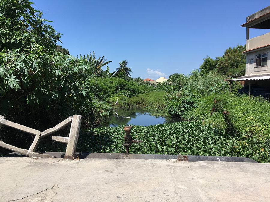 Rio Marimbondo no Porto Novo, cruza a Rua Maria Rita – São Gonçalo