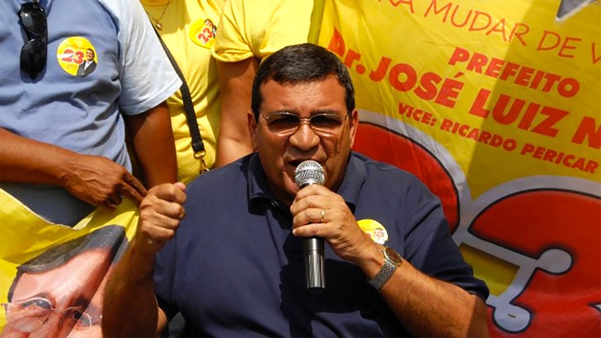 José Luiz Nanci em campanha política para prefeito de São Gonçalo em 2016.
